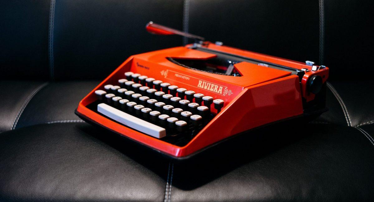 typewriter-1209082